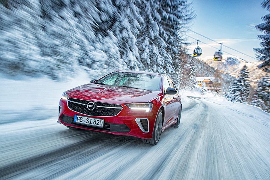 Νέο Opel Insignia GSi με Προηγμένο Σύστημα AWD